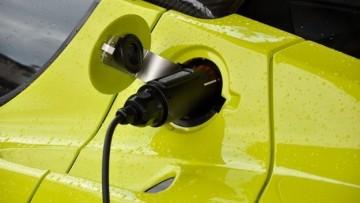 Per le auto elettriche incentivi all'orizzonte
