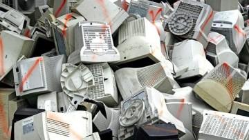 Rapporto Raee 2012, calano i rifiuti ma aumentano i centri di raccolta