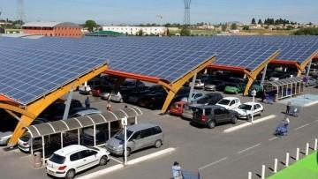 Rapporto Ipr-Univerde, 9 italiani su 10 vogliono il solare