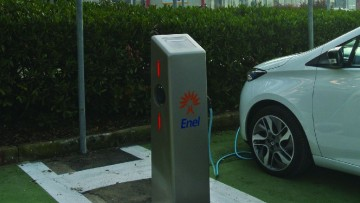 Accordo Ikea – Enel, le colonnine elettriche arrivano nei punti vendita
