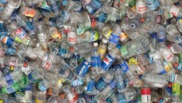 Imballaggi in plastica, obiettivo 'zero discarica' nel 2020