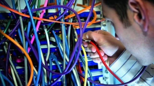 Lavori elettrici e impianti utilizzatori elettrici, elettronici e di comunicazione