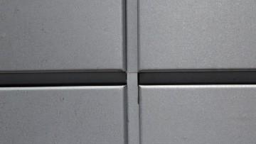 Azengar, la texture in zinco dall'aspetto grezzo e 'vivo'