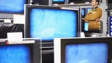 Lcd e flat tv trainano il mercato, boom in Italia