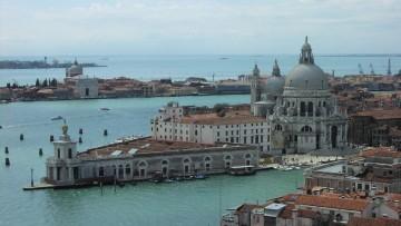 Internet: la velocità parte da Venezia
