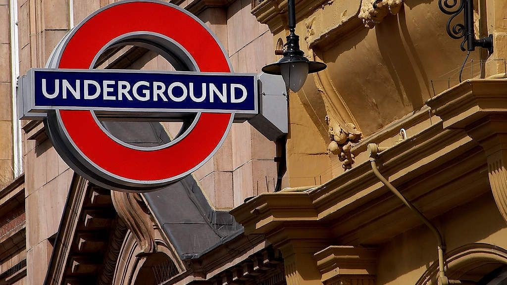 wpid-8482_londonundergroundsign.jpg