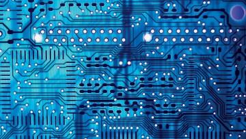 Tecnologie: la produzione industriale resta debole