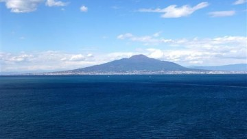 Depurare le acque con le microalghe: il primo test a Napoli