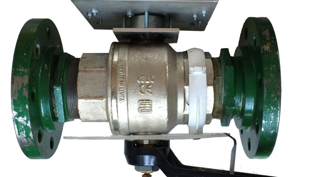 Primo prototipo della valvola prodotto e testato nel laboratorio di Idraulica del Politecnico di Milano
