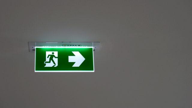 Illuminazione di sicurezza nei luoghi di lavoro: regole base